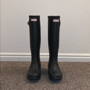 Women's Hunter boots. Size 8.